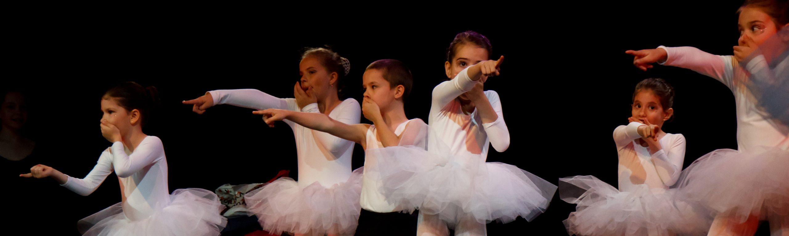 balett-csoport-mutat